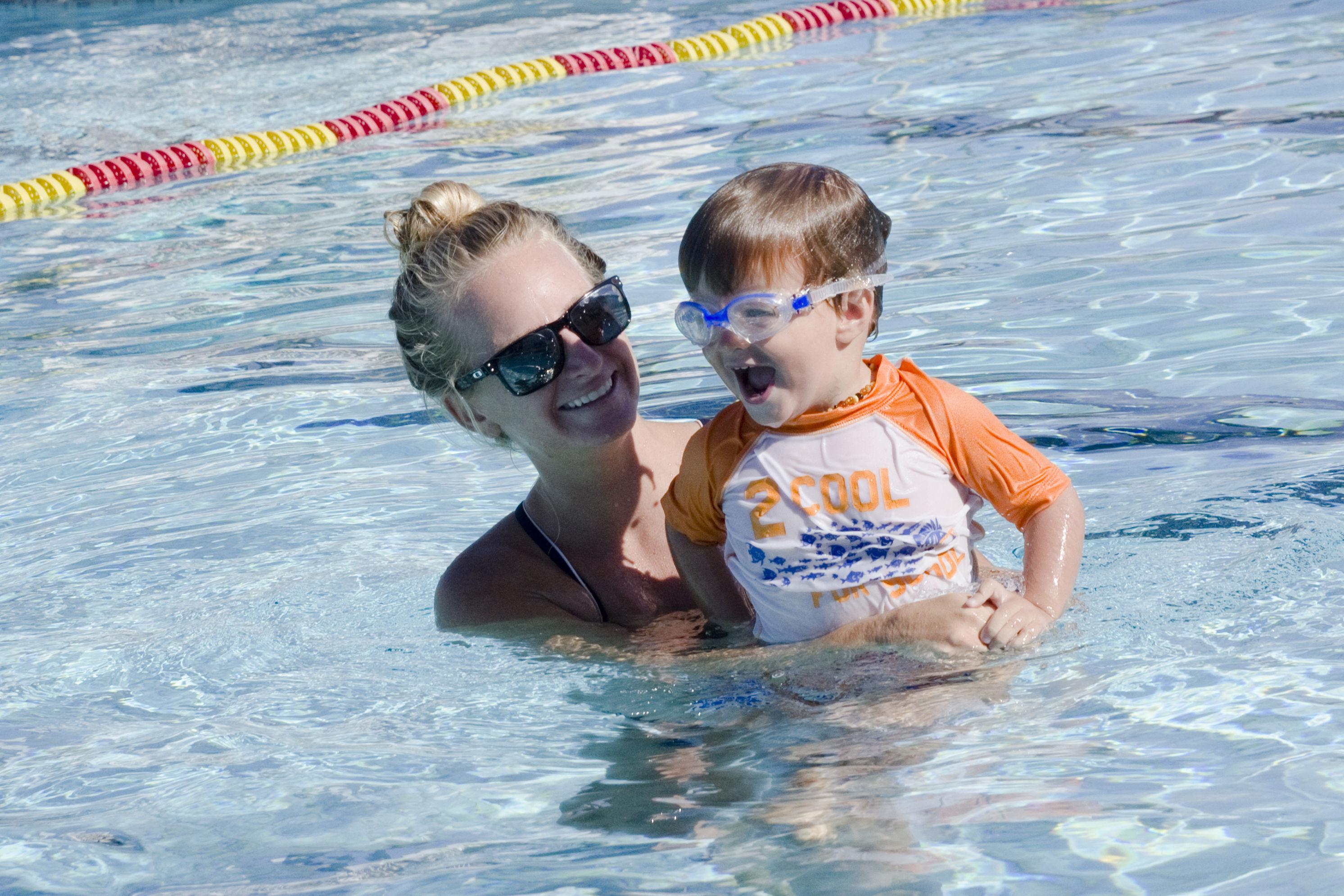 Swim lessons bg1zwq