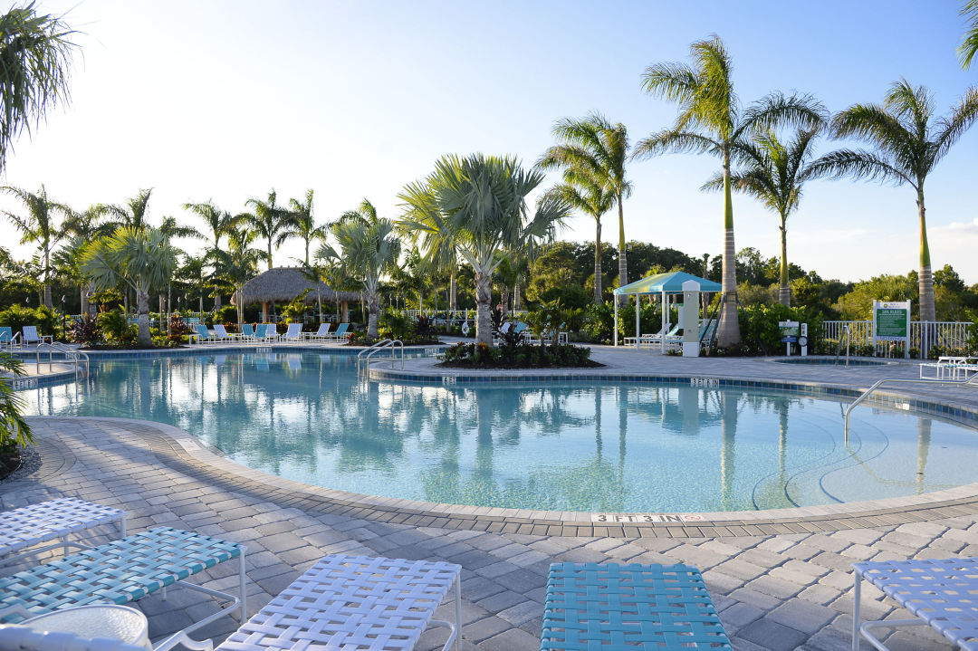 Boca royale resort style pool  cowt6r