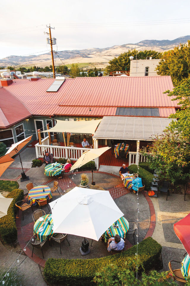 1017 wine country escapes rogue valley ashland gfwbfj