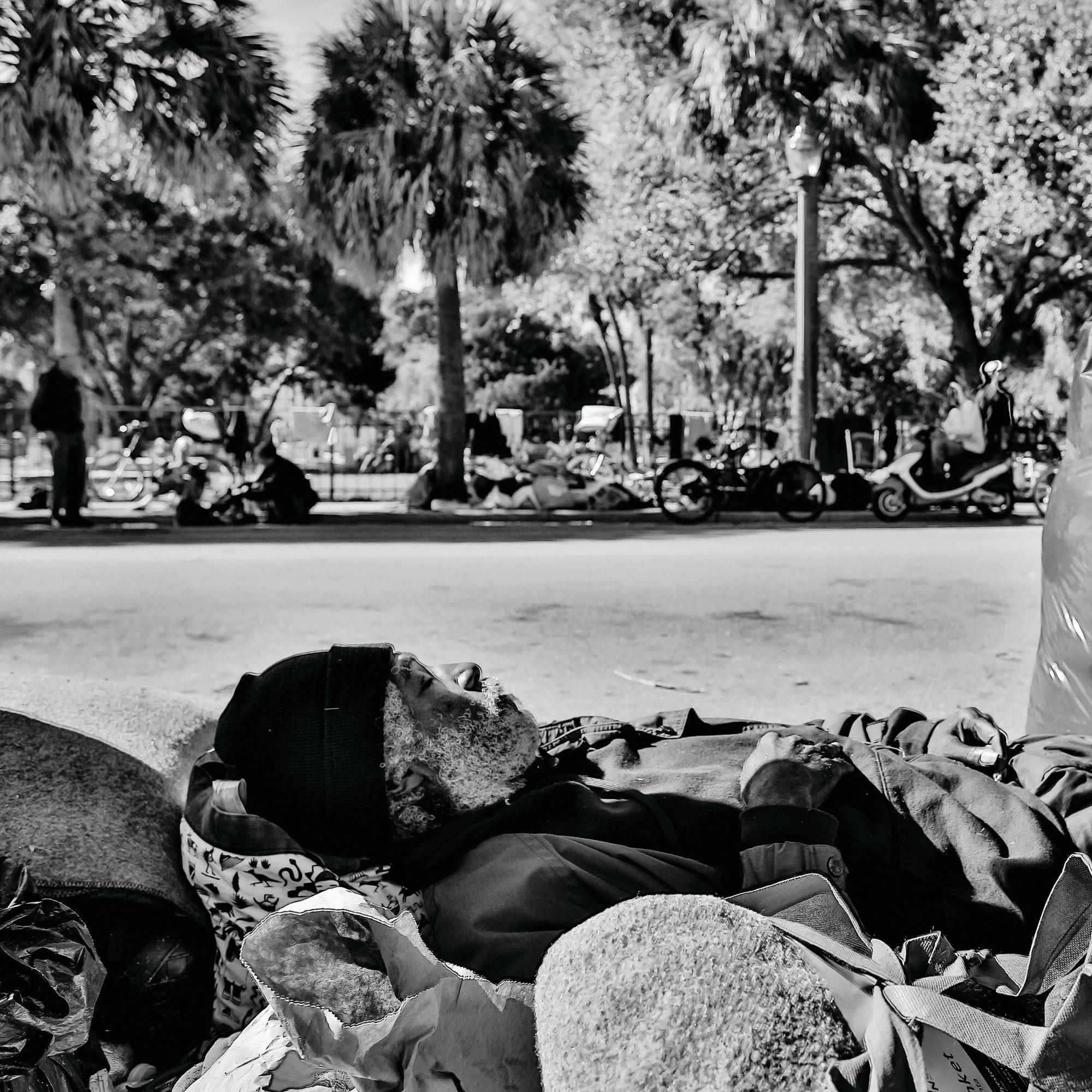 Homeless noqysv