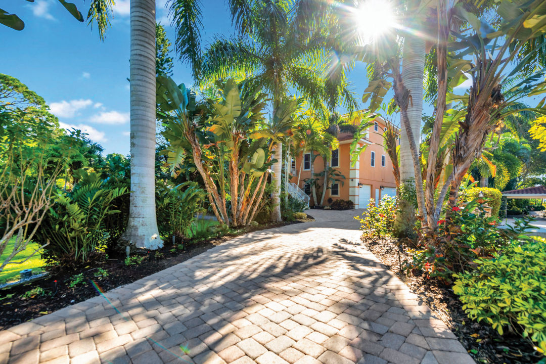 The Bollettieris wanted a private home in West Bradenton, not a trophy house.