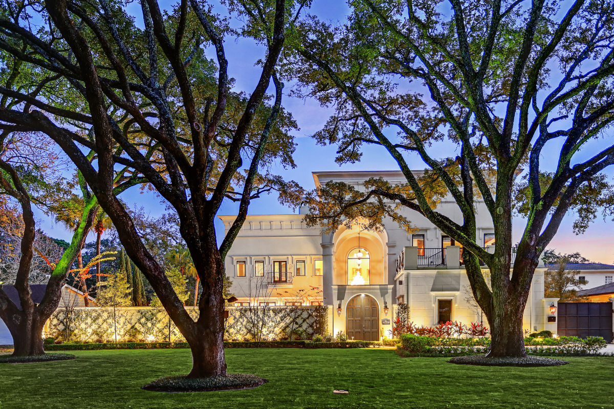 On the Market: A Resort-Style Bellaire Mansion