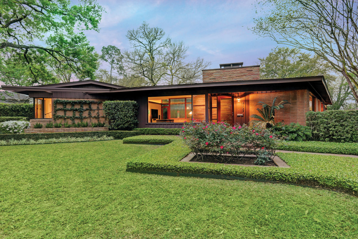This Midcentury Modern Ranch Is Now an 'Art House' | Houstonia