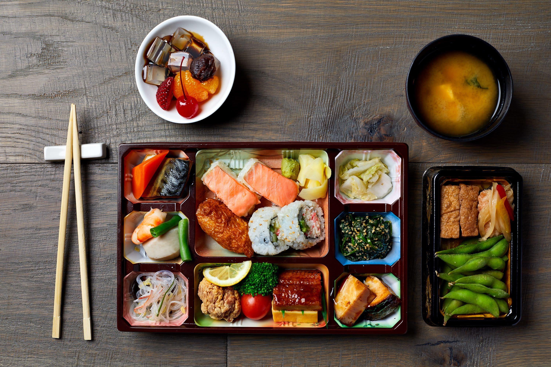 Sumo   sushi front row bento jjeoz4