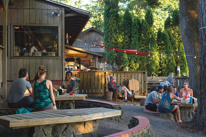 Pomo 0617 forest park skyline tavern vj7mva