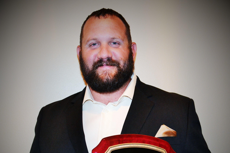 Steve favia with his award jkwhiu
