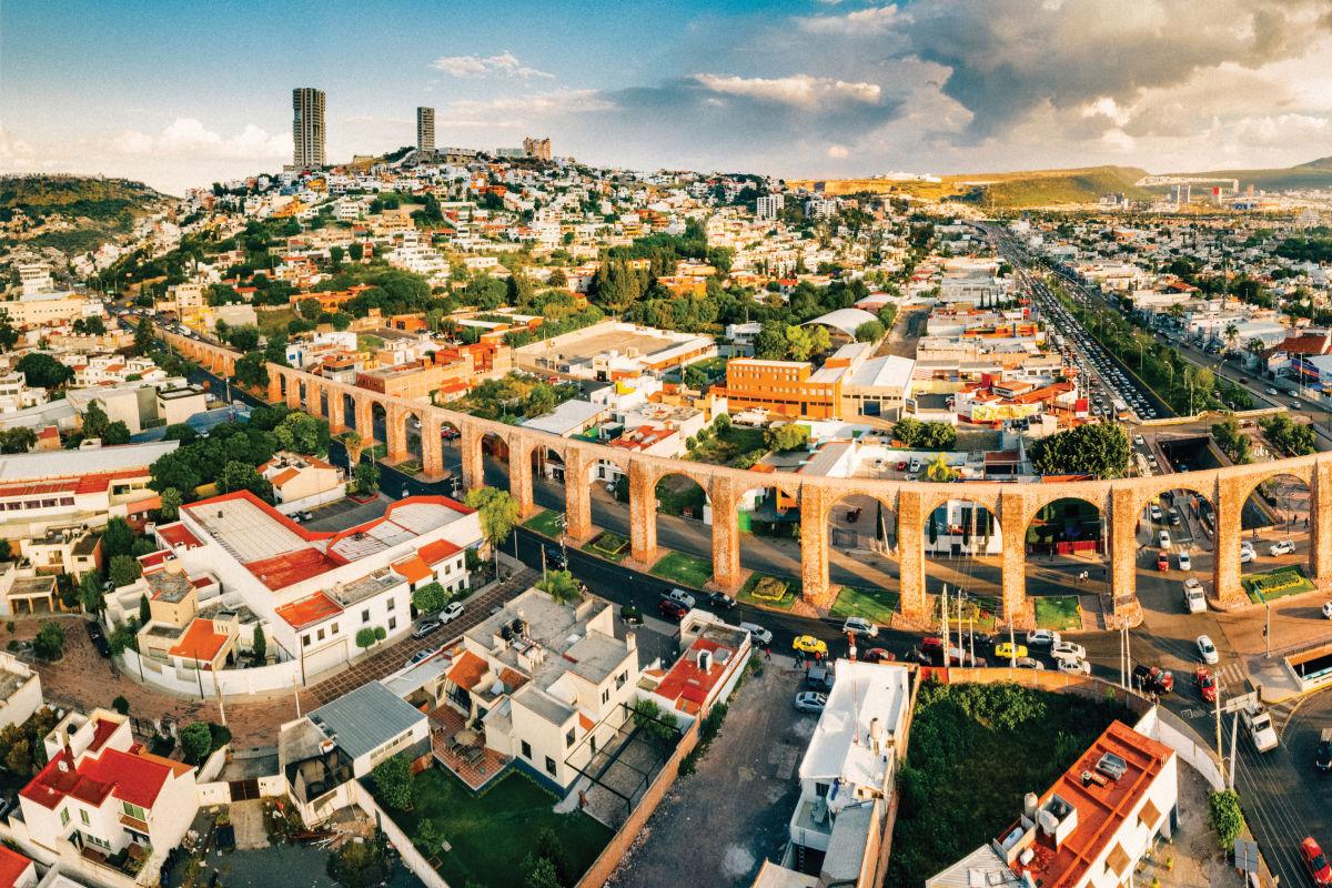 quer u00e9taro  a modern city with a well