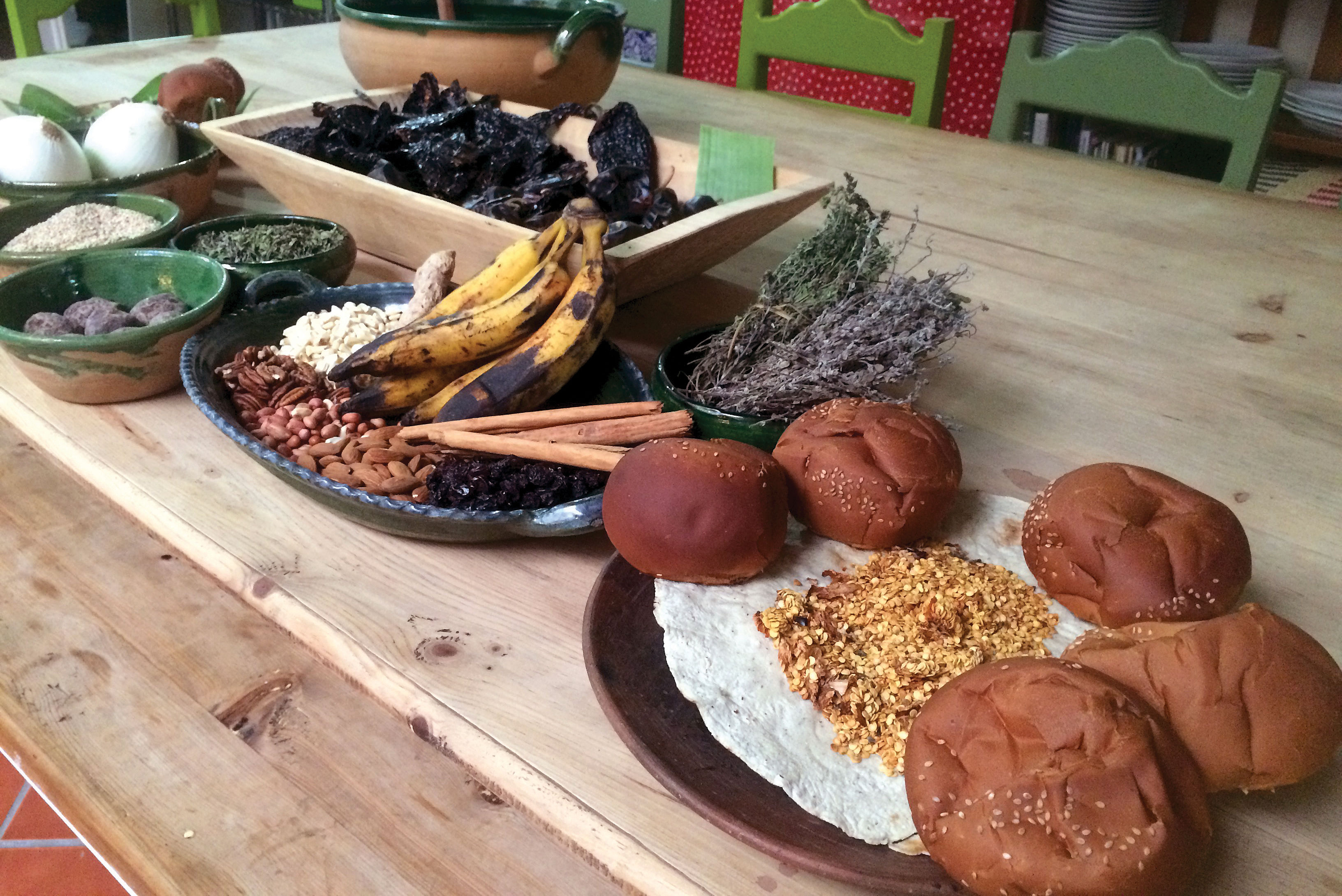 1216 mexico feature mole ingredients oaxaca oynyzv