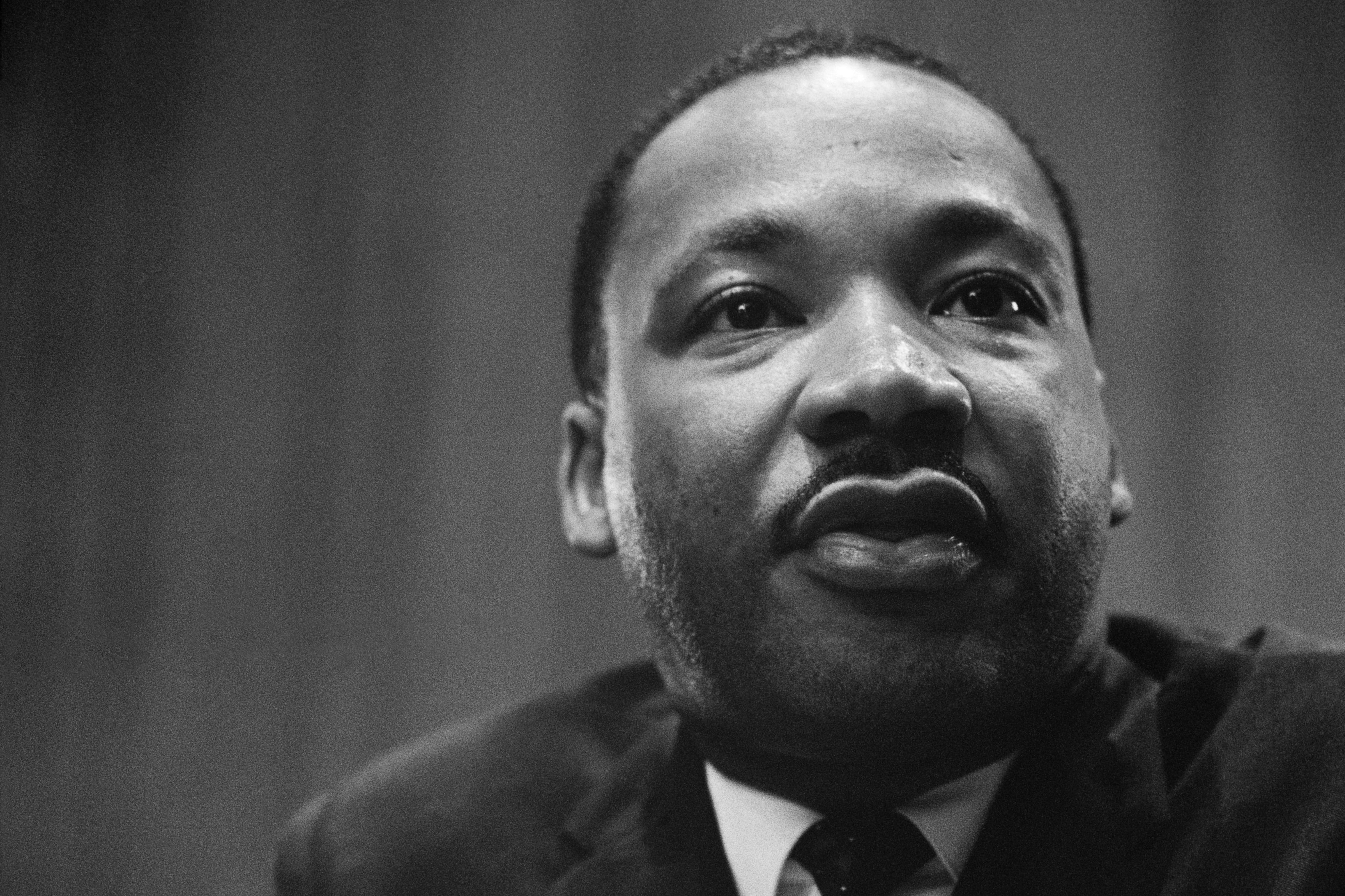 Martin luther king jr. uvo2t4