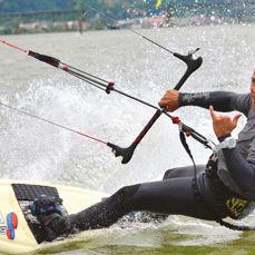 Kitesurfer aaron sales thumb lvyt7p