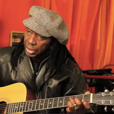 Mapfumo performing thumb q59prz