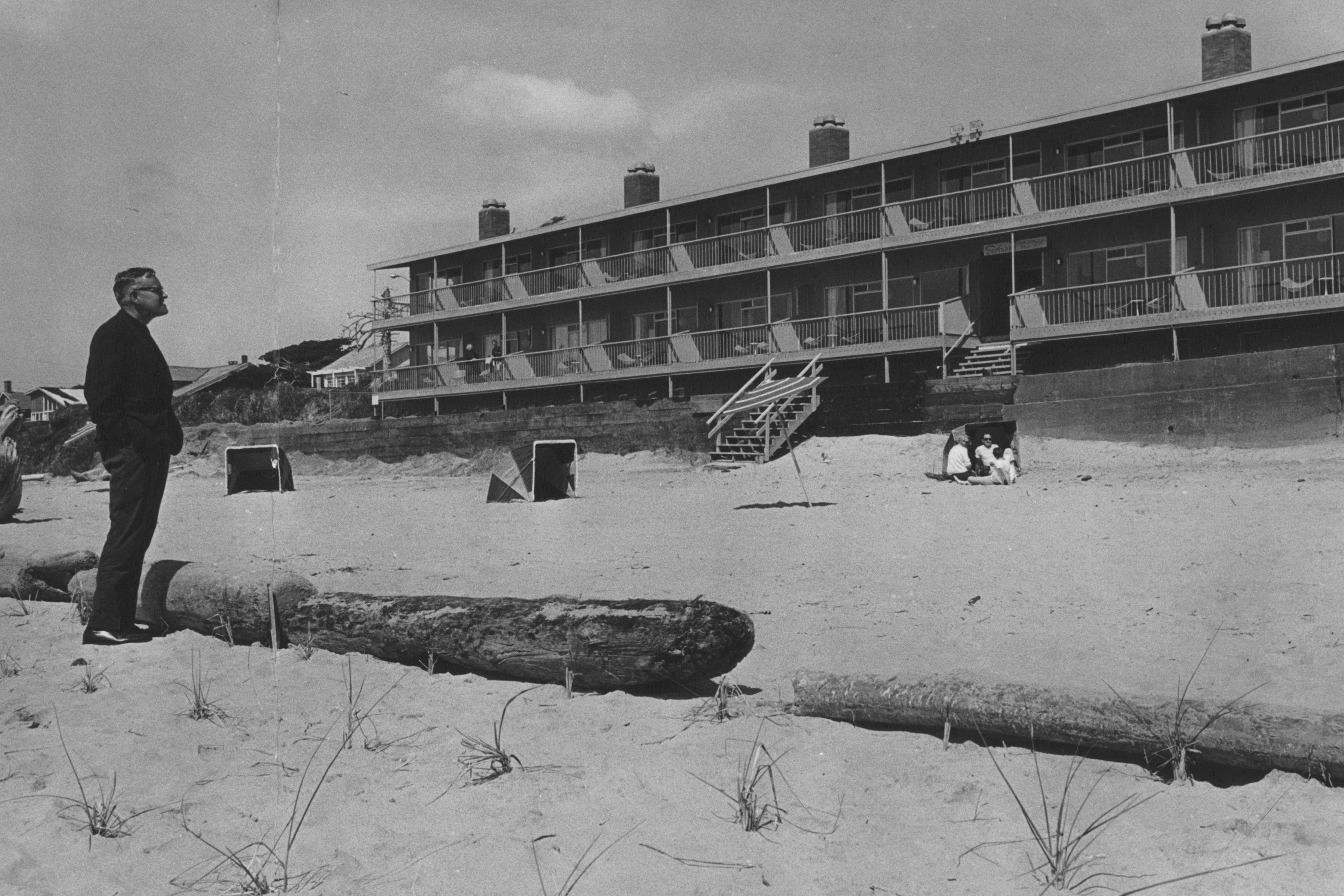 0817 beach bill wjhvki