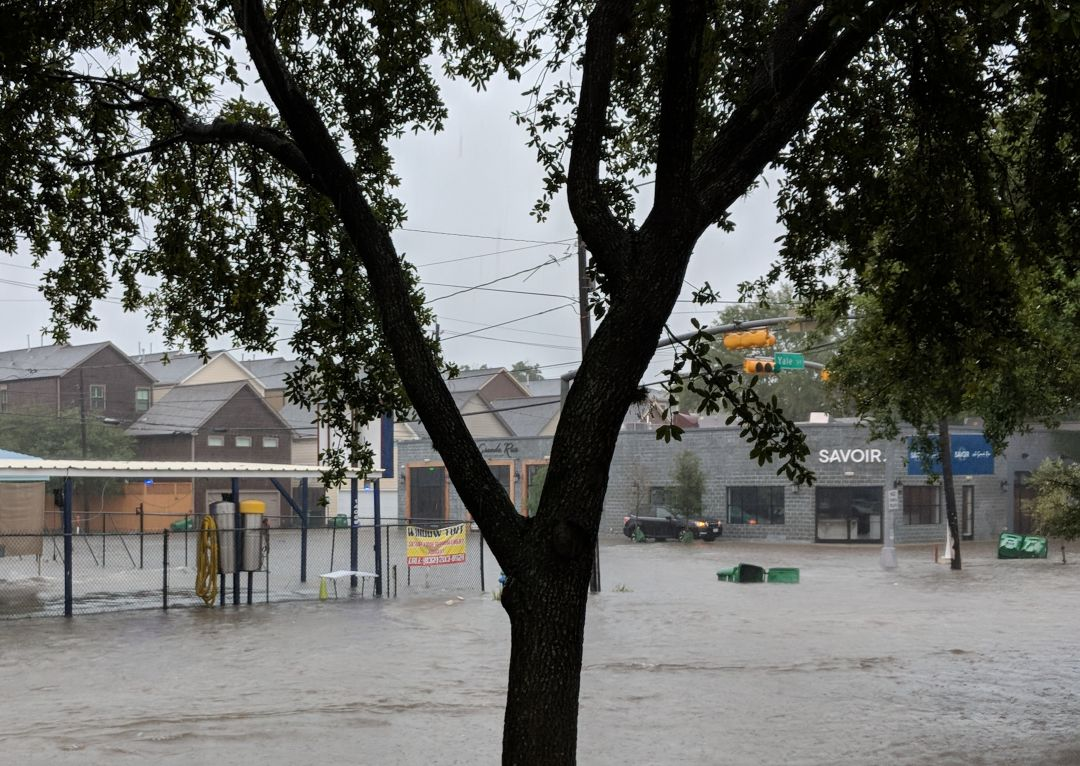 Imelda Update Restaurants And Bars Closed Today Houstonia