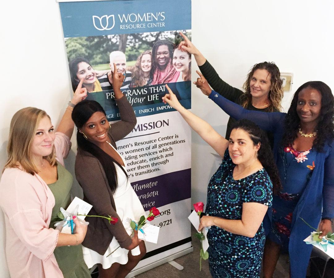 Scholarships For Women >> Women S Resource Center Awards 28 000 In Scholarships To Women