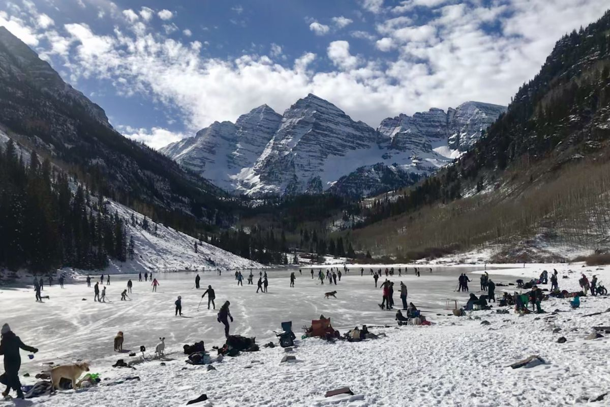 Aspen S Newest Ice Rink Draws A Crowd Aspen Sojourner