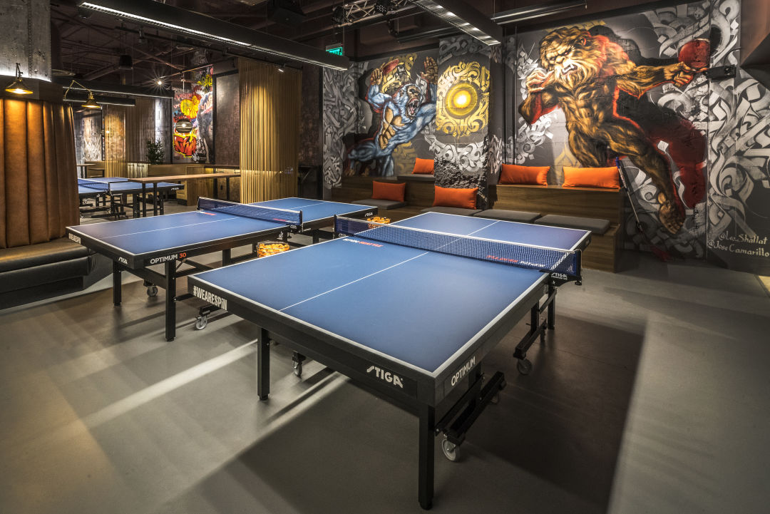 a ping pong bar bounces into downtown seattle met. Black Bedroom Furniture Sets. Home Design Ideas