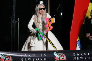 Lady gaga barneys nnsesv