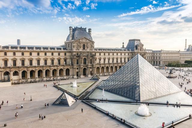 Louvre museum  paris  france m2asuc