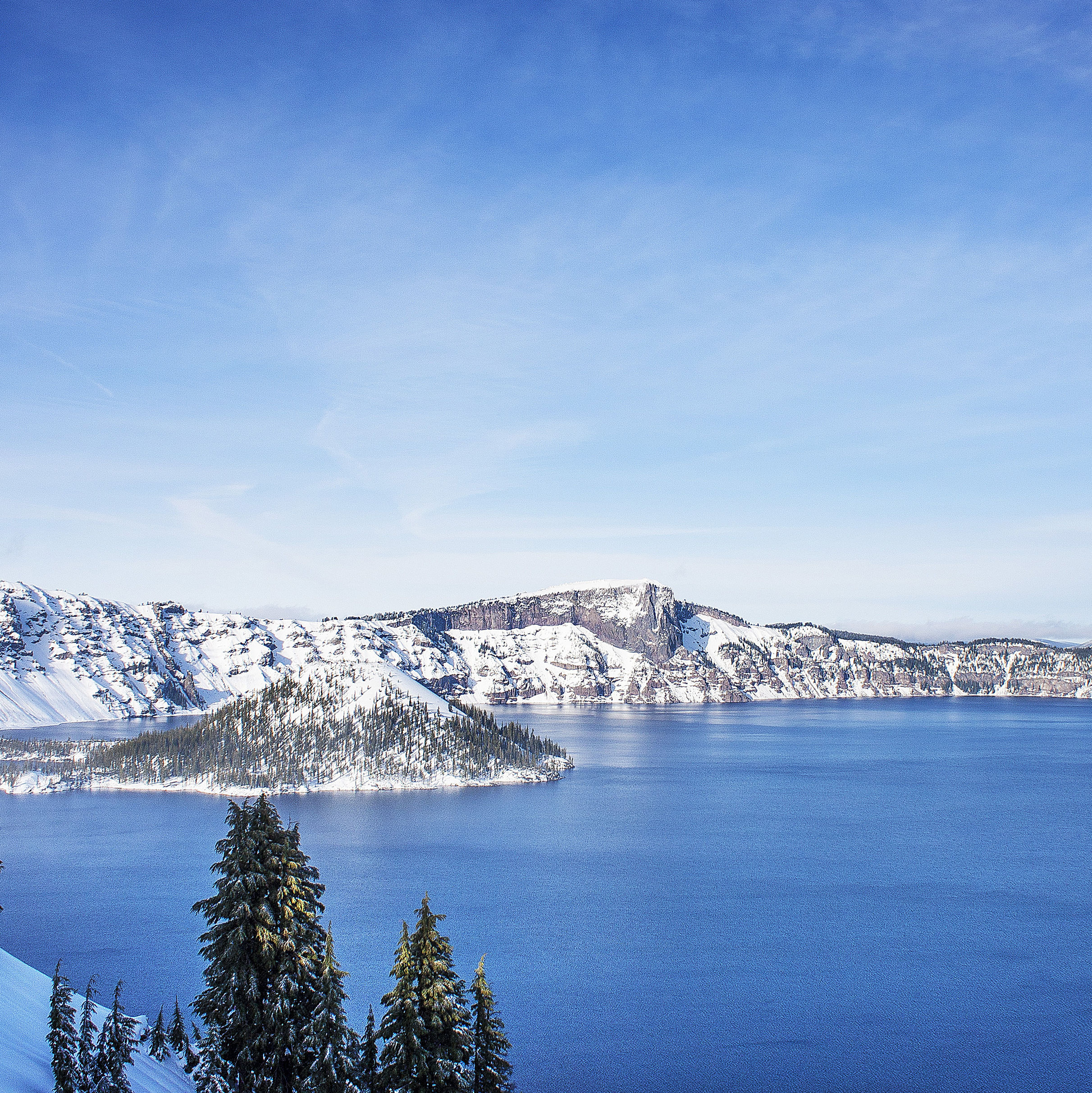 Crater lake winter kihtqv