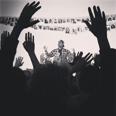 Hands up xzhd2h