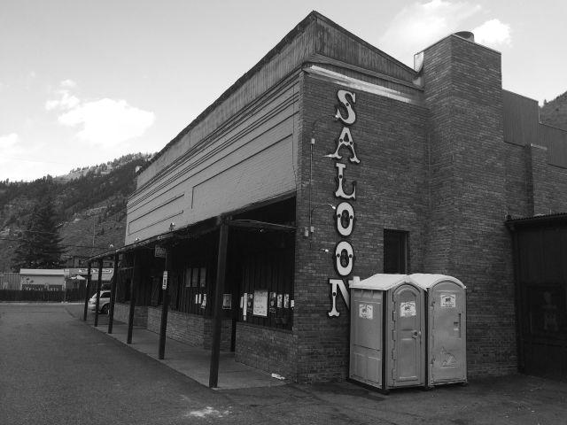 Saloon y38wkz