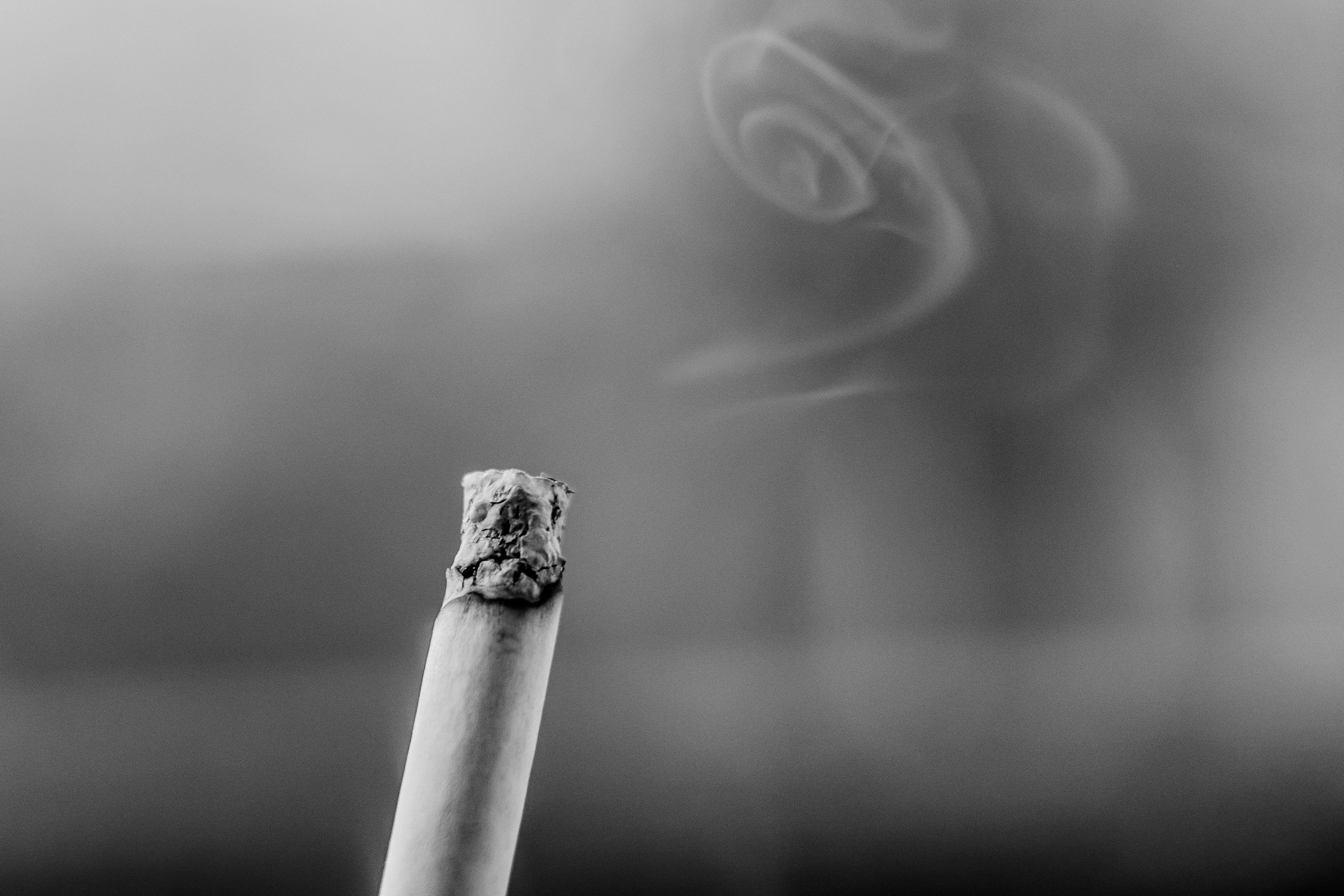 Cigarette p44aar