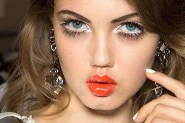 Hbz makeup trend ss13 lashes moschino lgn zncdyd