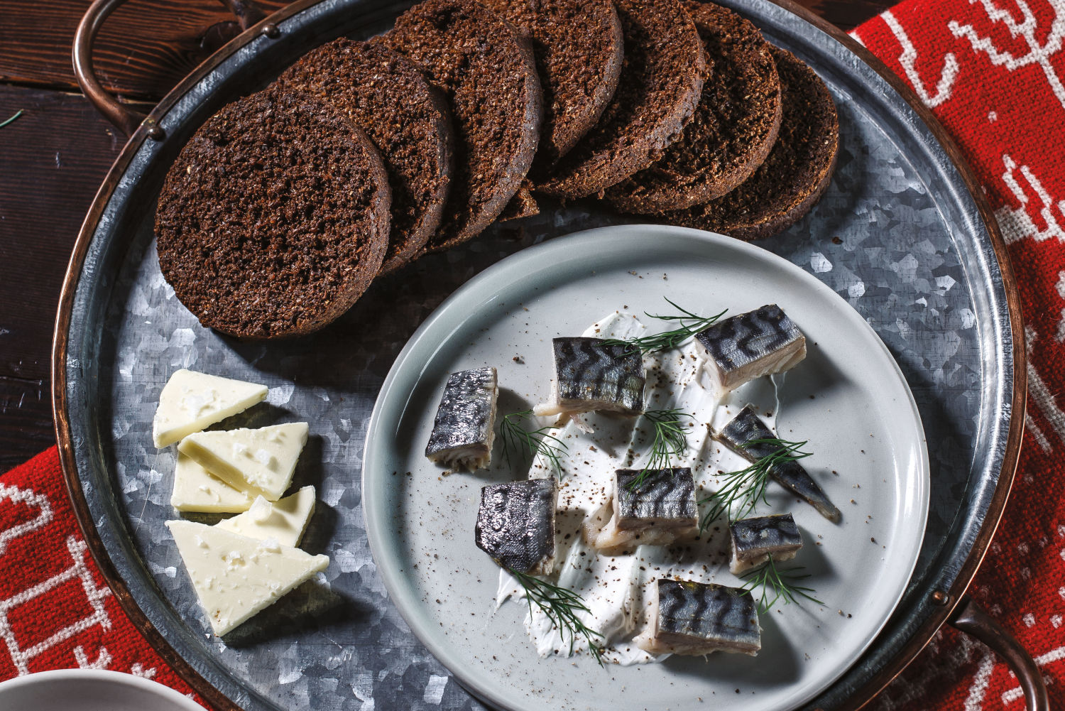 Sweeten Up Your Holiday Party with Old-School Scandinavian