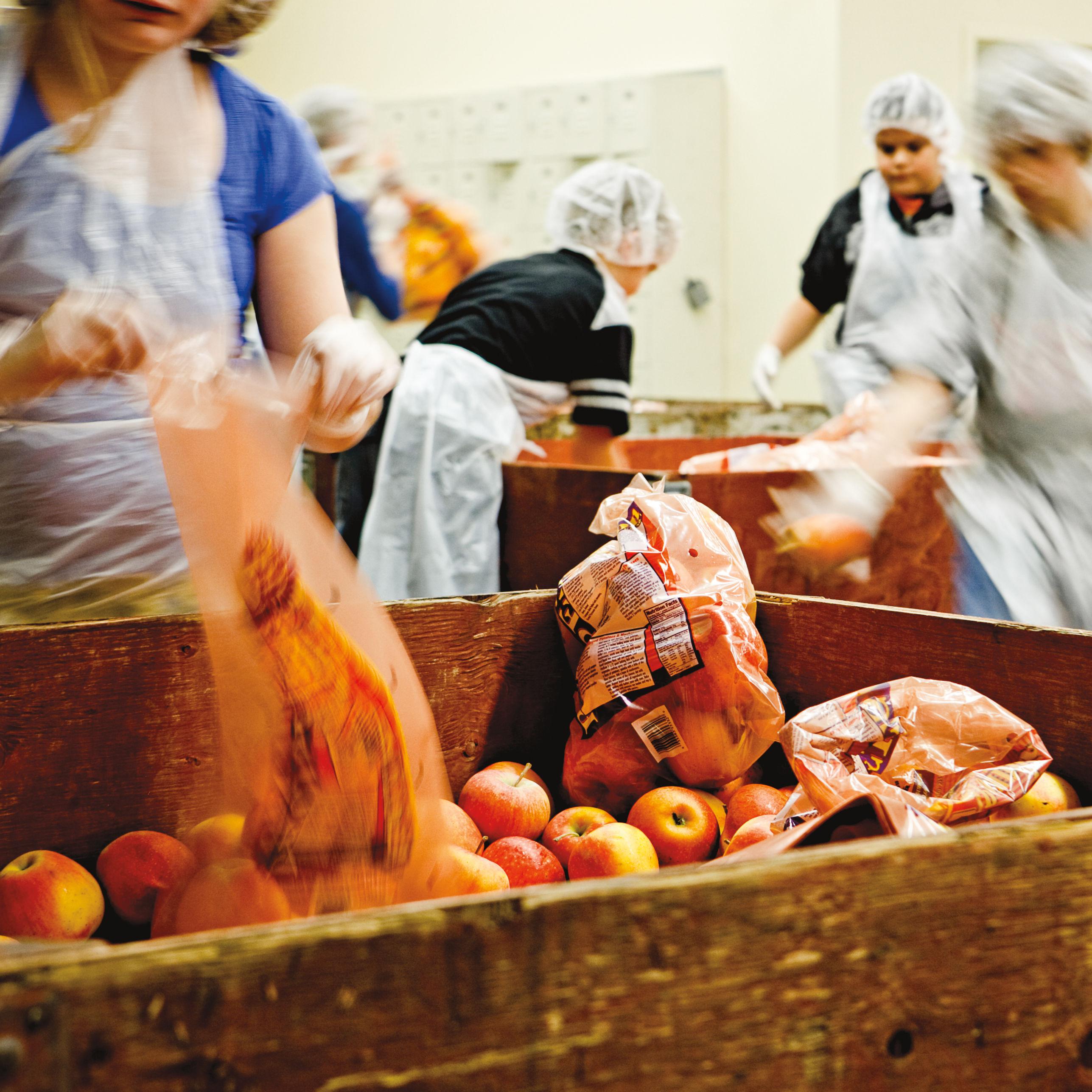 0418 hunger apples ty6pgw