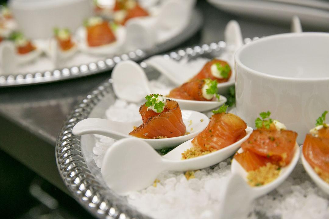 Instant gravlax with cream cheese   horseradish sauce  p.124 4x6 300dpi. v7ism7