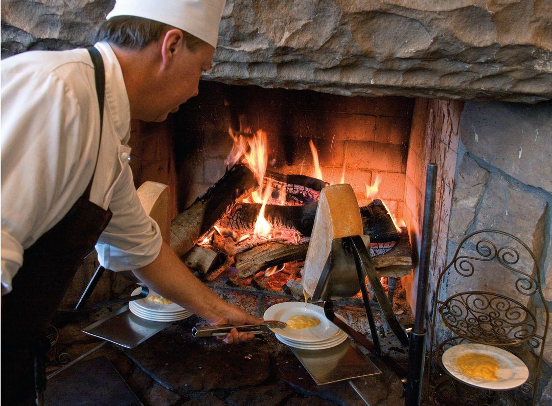 Pcwi 14 dining raclette nfhimp