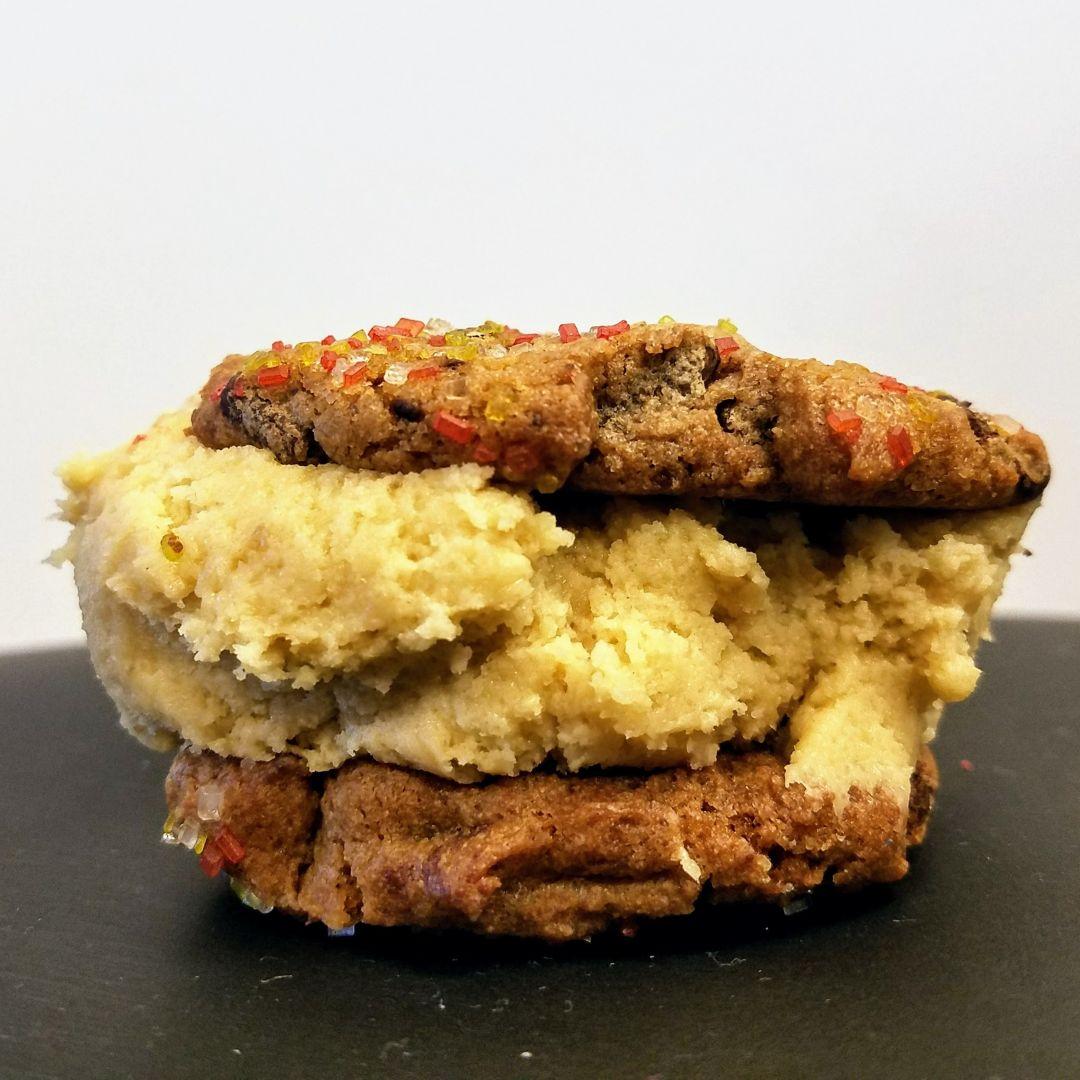 Cookie dough cafe sandwich nvgnwa