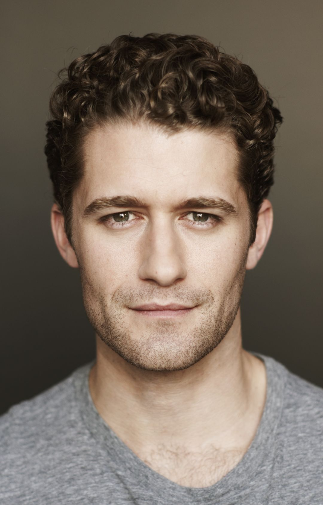 Matthew morrison head shot color iql34u