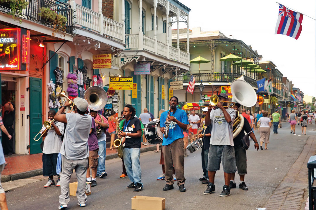 0418 travel new orleans bourbon street z40fvs