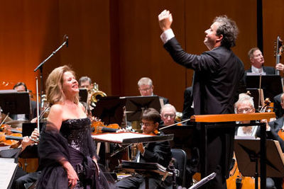Rene e fleming with houston symphony and juanjo mena conducting credit anthony rathbun iaa5dm
