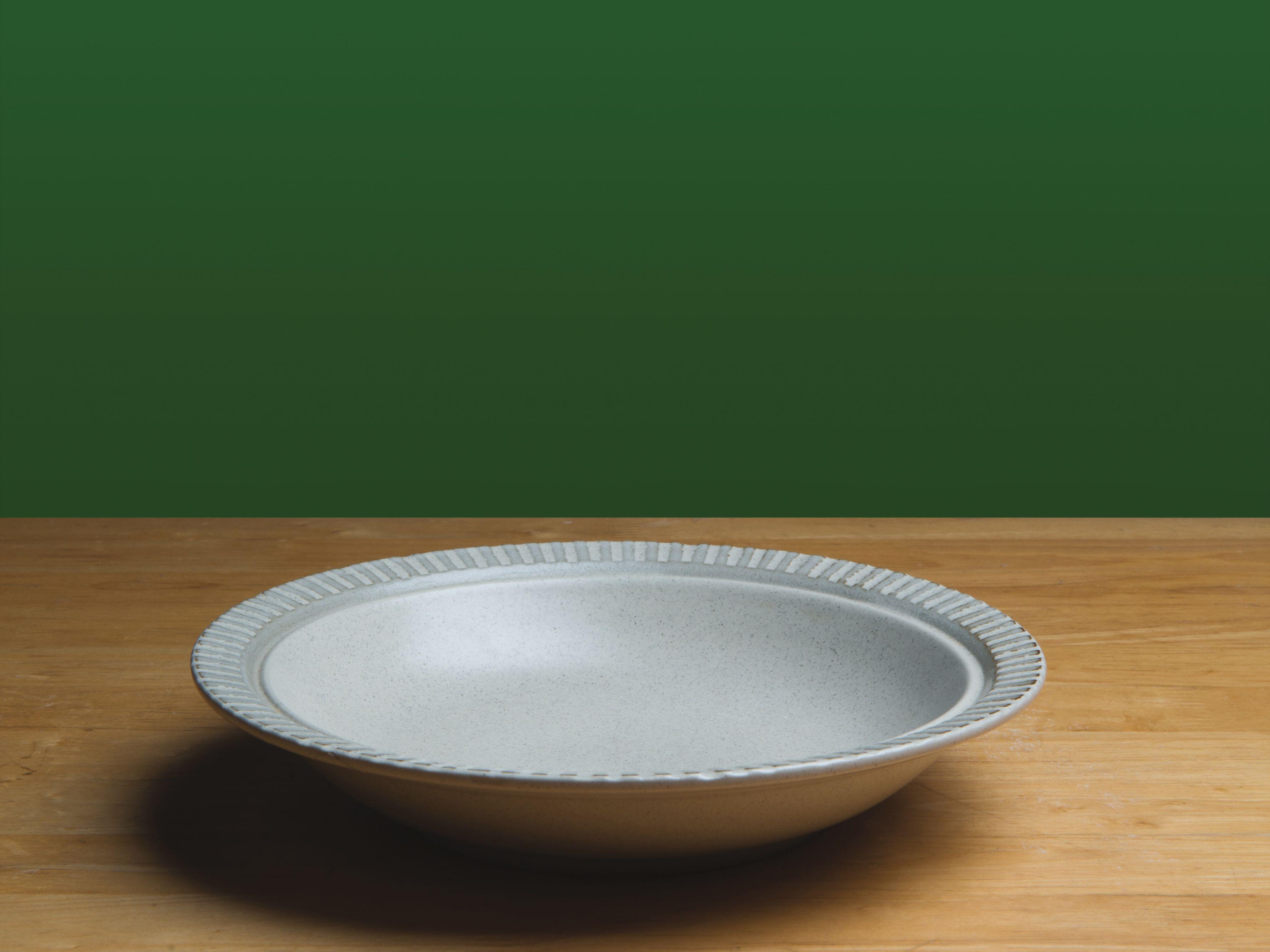 0318 hunger empty plate z1dj0z