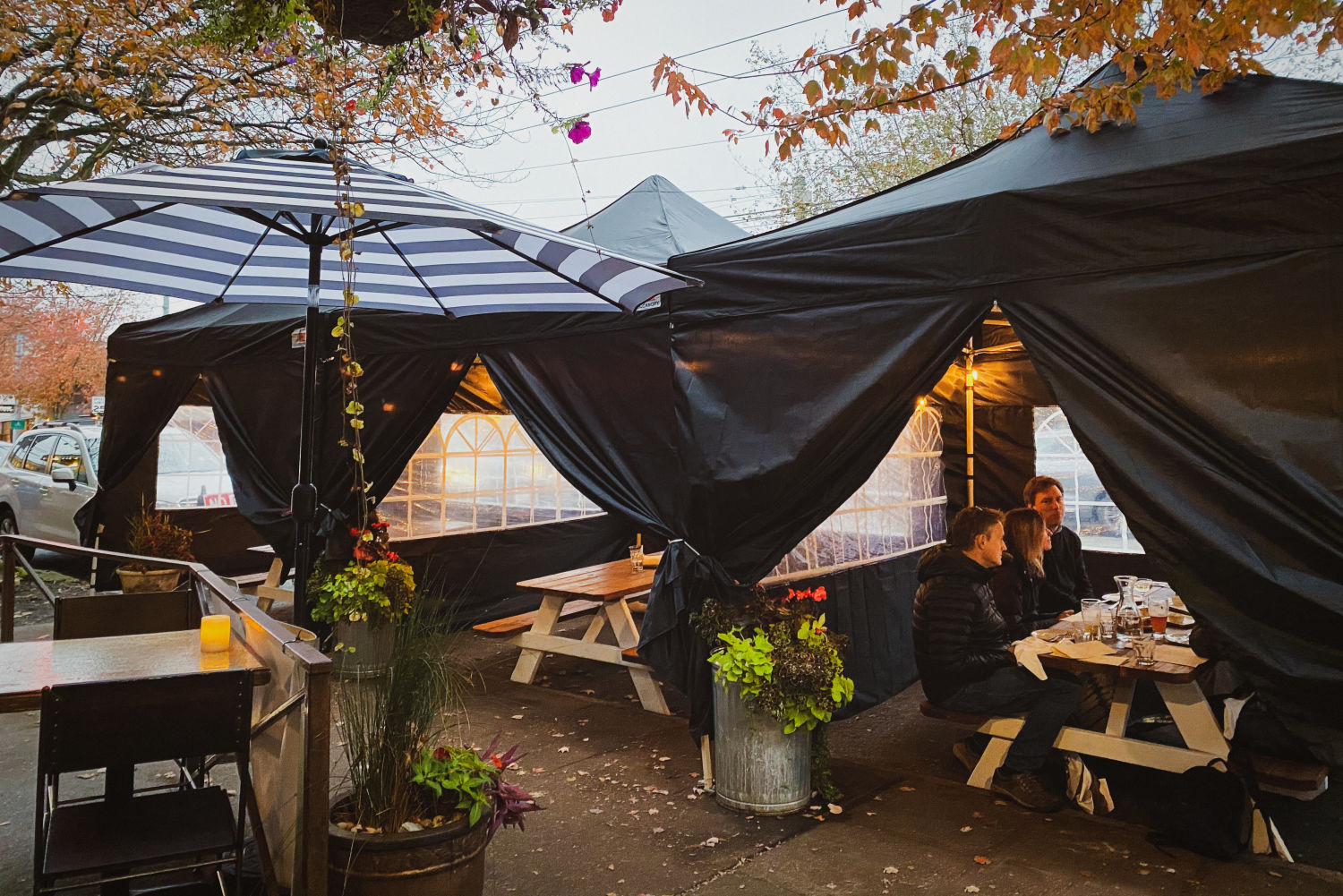 Seattle Restaurants And Bars With Covered Heated And Tented Patios Seattle Met