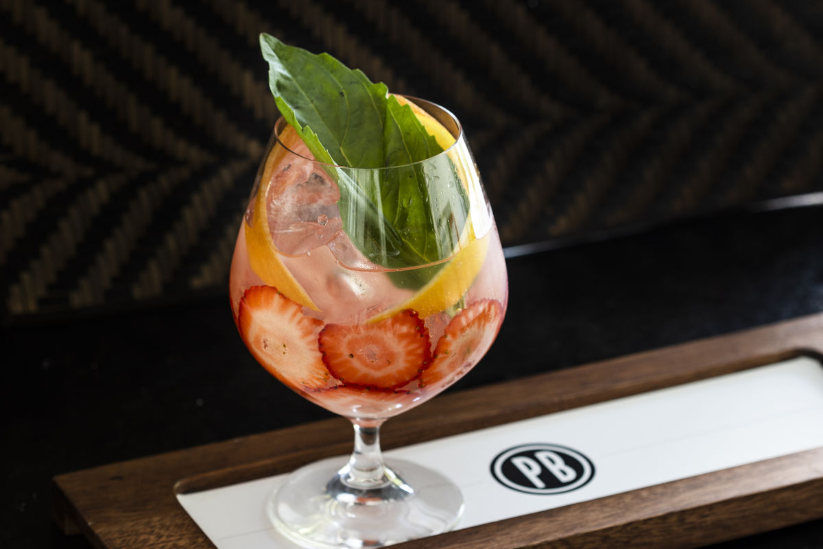 pappas bros  steakhouse welcomes the summer with new cocktails