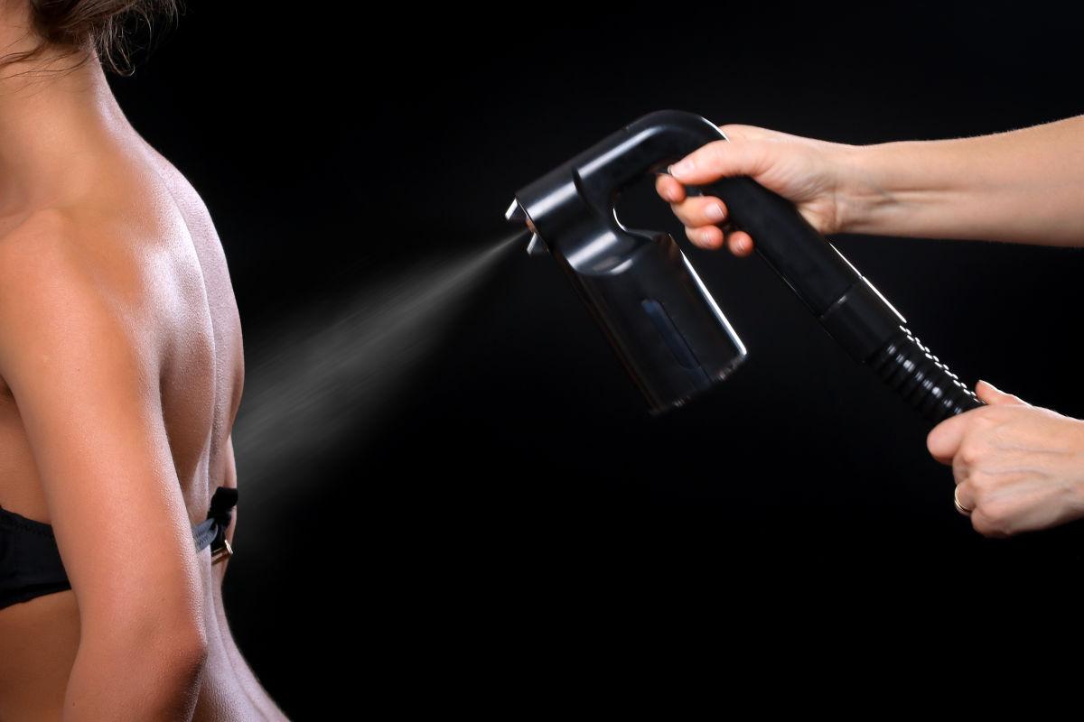 Spray tan special mofos