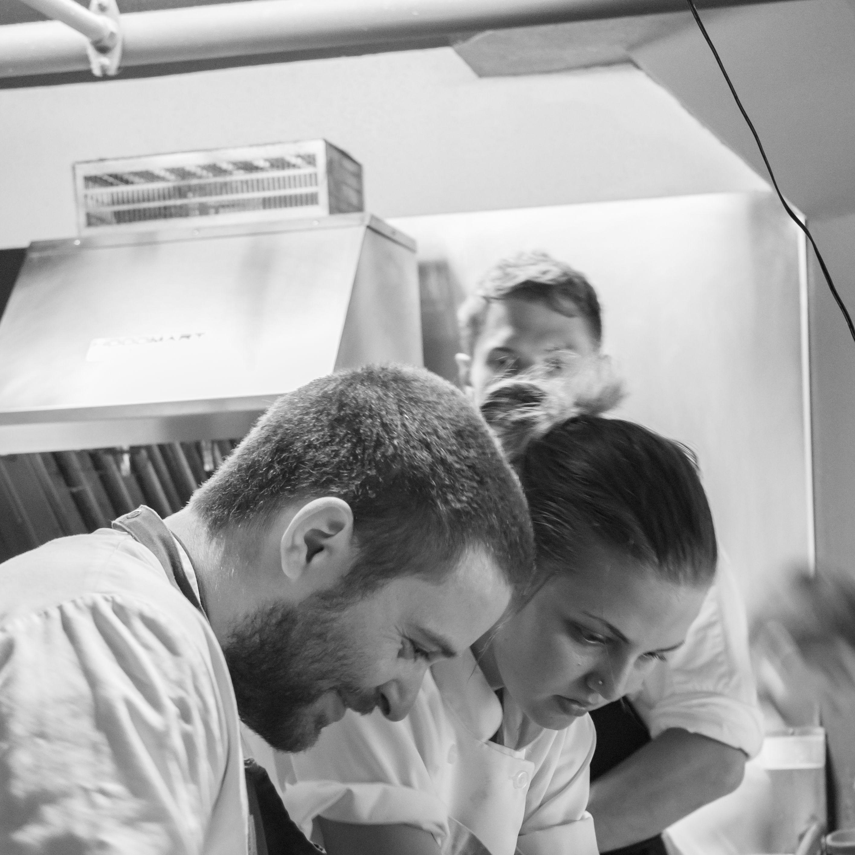 Chef and crew tuum94
