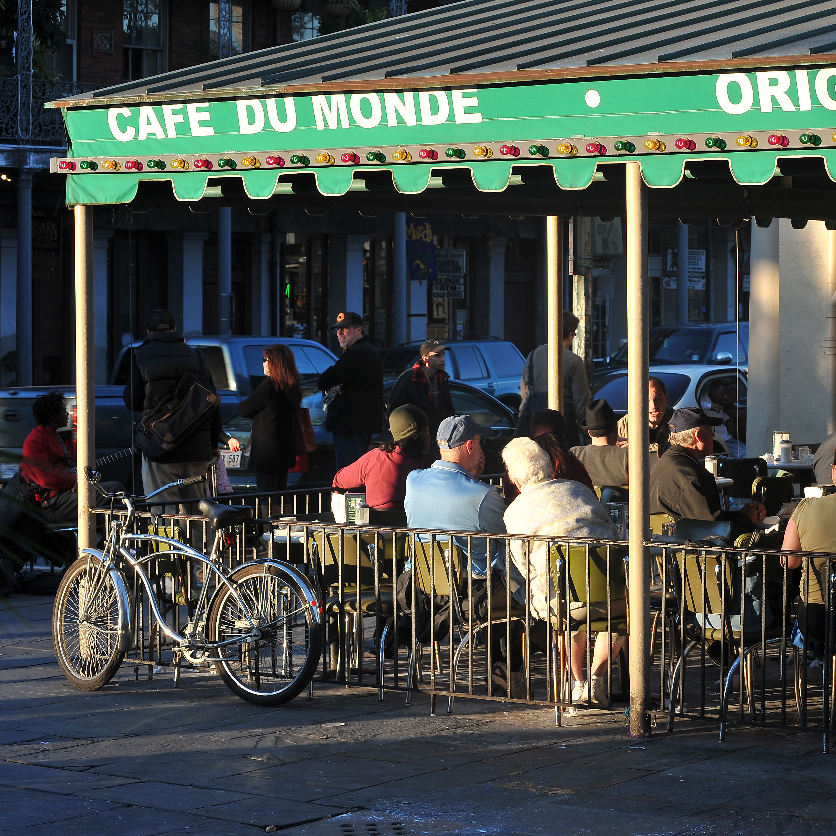 Cafe du monde   photo by pat garin pbwzsn