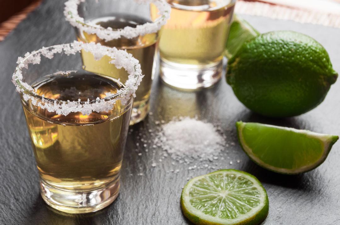 Tequila shots zqraxp