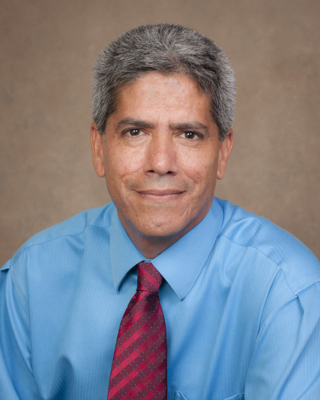 Dr. Manuel Gordillo