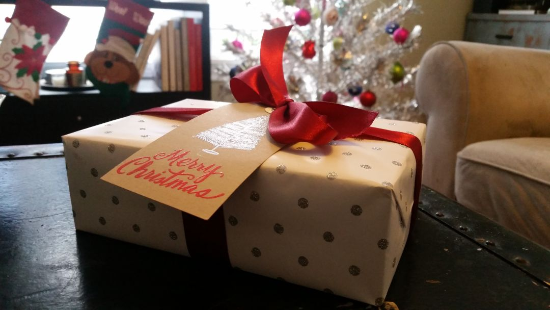 Gift wrap c8aoqh