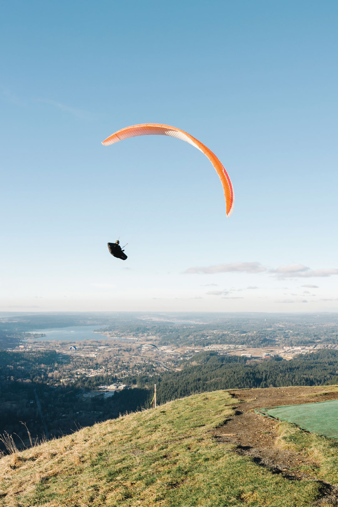So You Want to Try Paragliding | Seattle Met