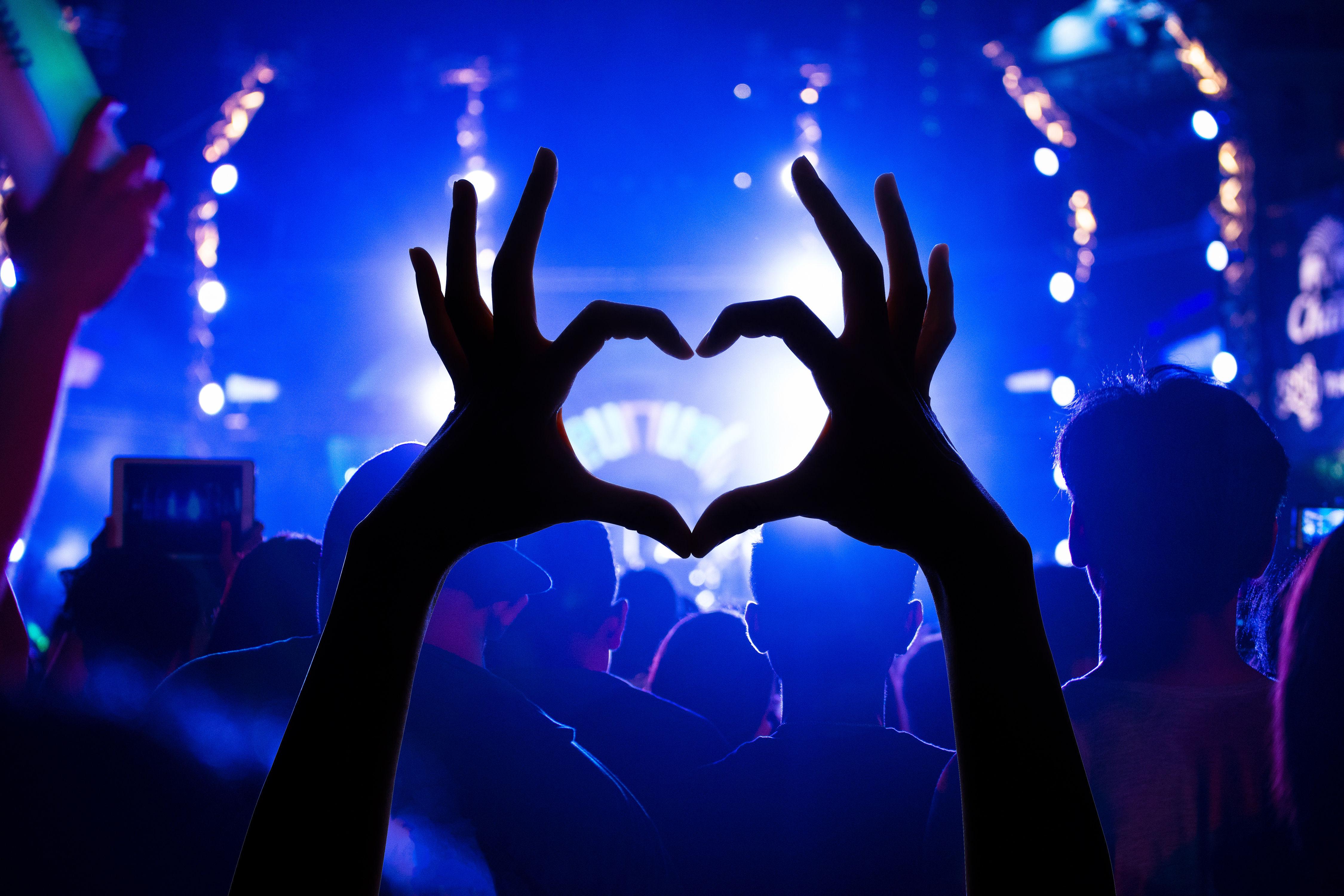 Shutterstock heart ejnkcp