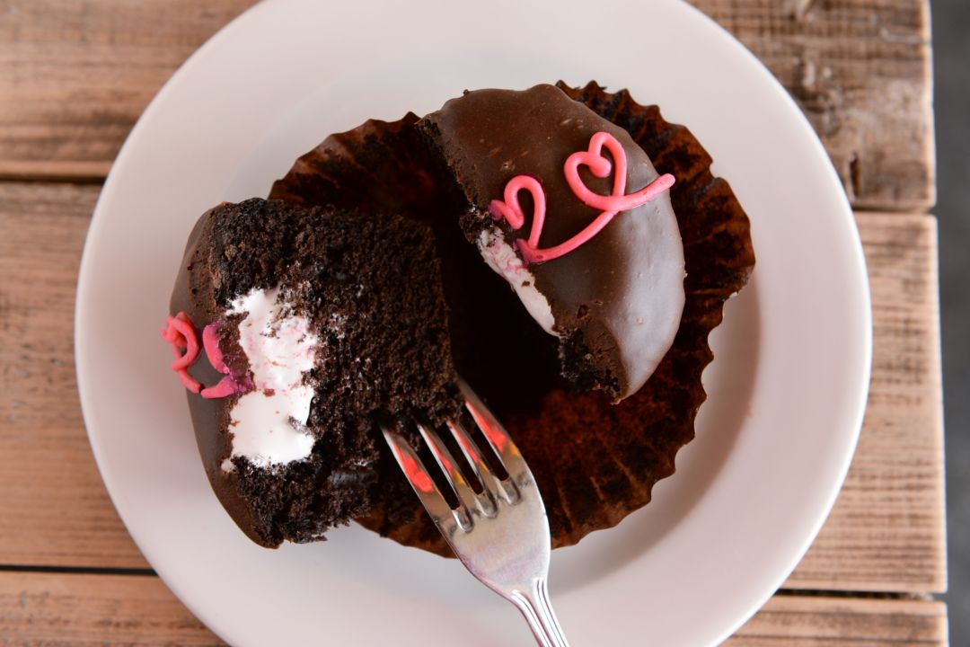 Hostess cupcake 03 by dragana harris ij4scm