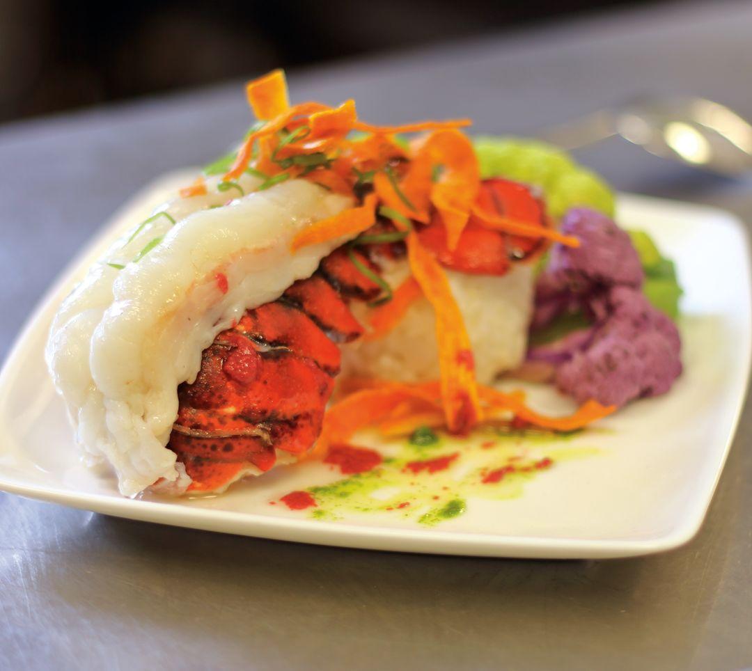 Pcwi 14 dining riverhorse lobster tail dwnitj