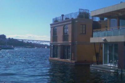 Houseboats w5equa