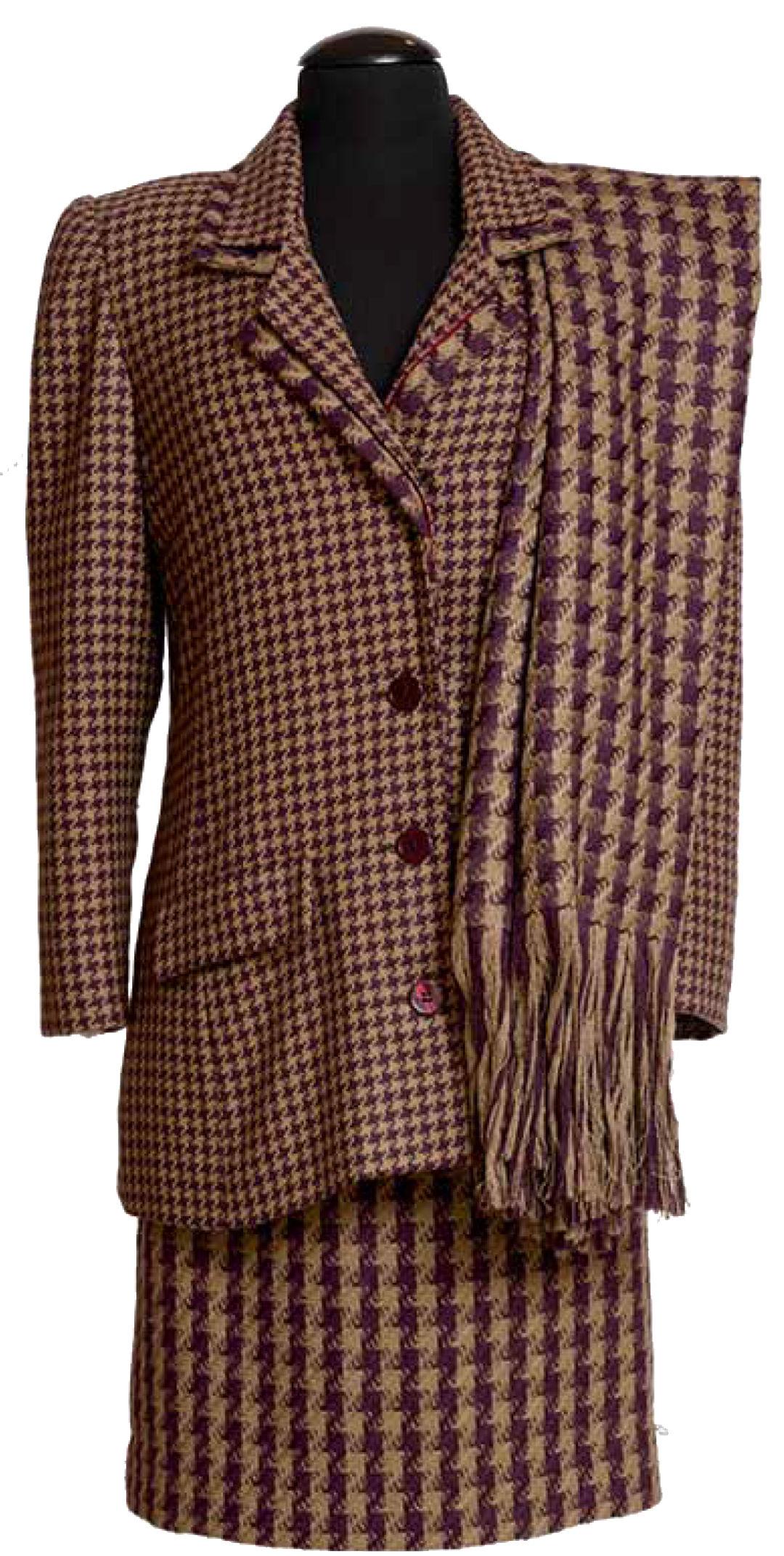 Dress worn by jacqueline kennedy e79fzw